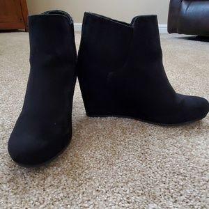 dv women's black suede wedge booties